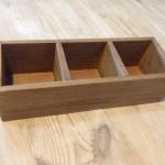 100円均一セリアの小物箱・飾り棚はしっかりした作りで使いやすいです