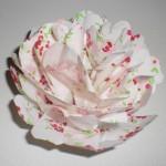 100均ダイソーの紙袋でペーパーポンポン(お花紙)を作って雛祭り気分♪