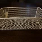 100均ナチュラルキッチンの「ワイヤーバスケット」調味料入れなど使い方色々