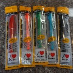 100円ショップミーツなら、「油性ペンマッキー極細」が1色から買える!