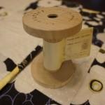 100均セリアの「マスキングテープ収納ホルダー」はボビン型でインテリアにもおしゃれ