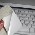 100均ダイソー「クッションすべり止めシート」でキーボード固定!