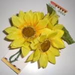 100円ショップダイソーひまわり造花でトイレタンクの汚れ隠し!